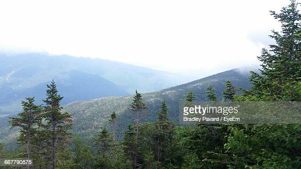 scenic view of mountains against sky - pavard stock pictures, royalty-free photos & images