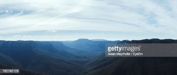 scenic view of mountains against sky - katoomba stock pictures, royalty-free photos & images