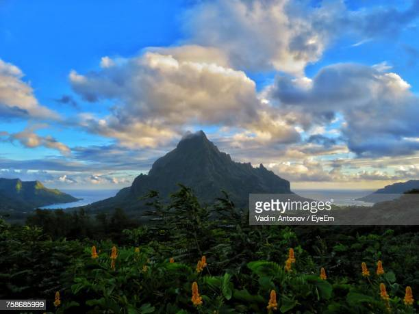 scenic view of mountains against sky - antonov stock pictures, royalty-free photos & images