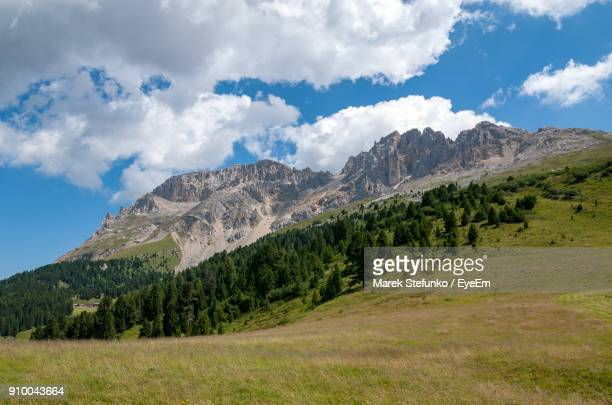 scenic view of mountains against sky - marek stefunko stockfoto's en -beelden