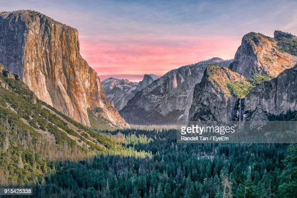 scenic view of mountains against sky - yosemite nationalpark stock pictures, royalty-free photos & images