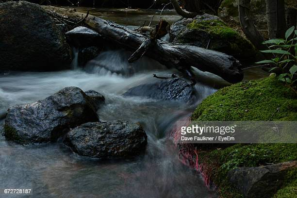 scenic view of river flowing through rocks - dave faulkner eye em stock pictures, royalty-free photos & images