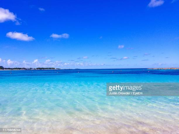 scenic view of sea against blue sky - nassau stock pictures, royalty-free photos & images