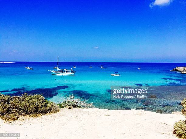 scenic view of sea against blue sky - repubiek cyprus stockfoto's en -beelden