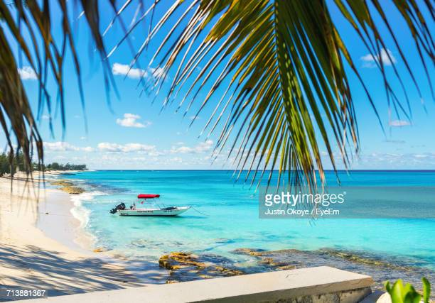 scenic view of sea against blue sky - bahamas stock pictures, royalty-free photos & images