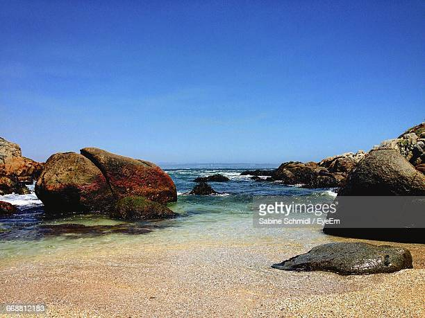 scenic view of sea against clear blue sky - ビーニャデルマル ストックフォトと画像