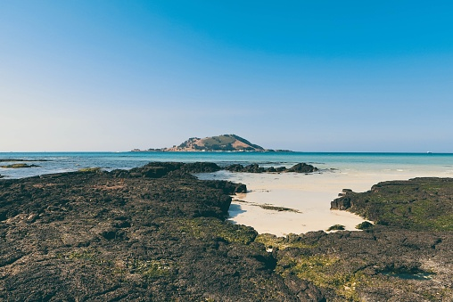 Scenic View Of Sea Against Clear Sky - gettyimageskorea