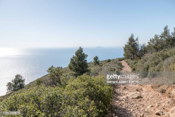 scenic view of sea against clear sky - la ciotat photos et images de collection