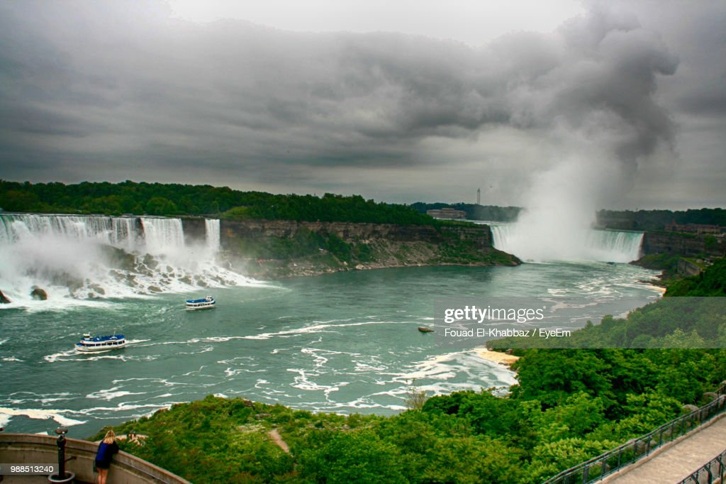 Scenic View Of Sea Against Cloudy Sky : Stock-Foto