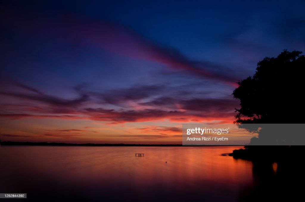 Scenic View Of Sea Against Romantic Sky At Sunset : Foto stock