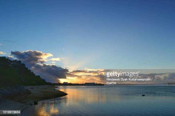 scenic view of sea against sky during sunset - nuku'alofa stock pictures, royalty-free photos & images