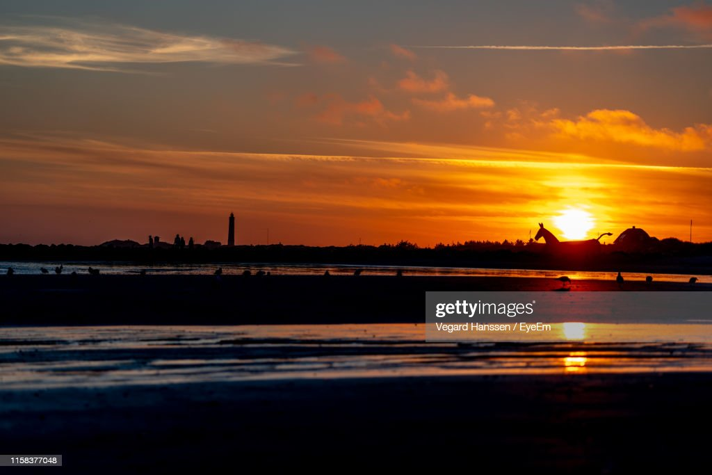 Scenic View Of Sea Against Sky During Sunset : Stockfoto