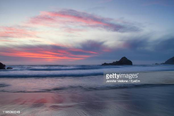 scenic view of sea against sky during sunset - jennifer mellone foto e immagini stock