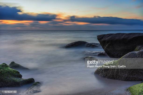 scenic view of sea against sky during sunset - surat thani province stock pictures, royalty-free photos & images