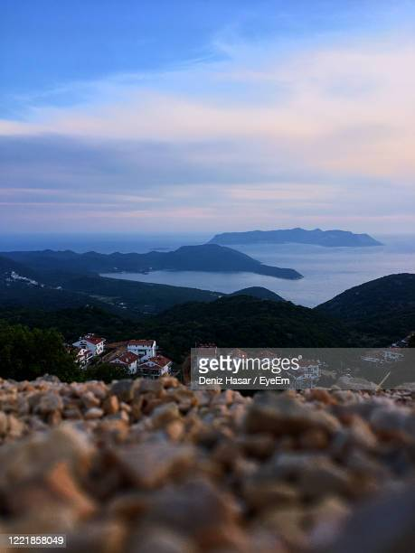 scenic view of sea against sky during sunset - deniz hasar stock pictures, royalty-free photos & images