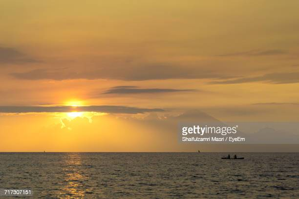 scenic view of sea against sky during sunset - shaifulzamri eyeem stock pictures, royalty-free photos & images
