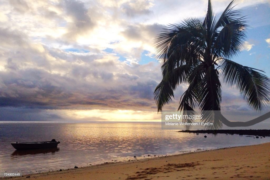Scenic View Of Sea Against Sky During Sunset : Stock Photo