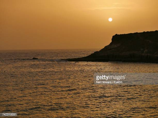 scenic view of sea against sky during sunset - howard,_wisconsin stock pictures, royalty-free photos & images
