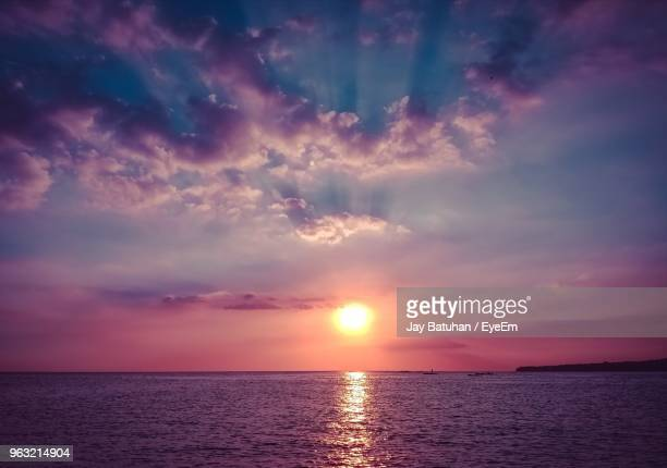 scenic view of sea against sky during sunset - malabon stock pictures, royalty-free photos & images