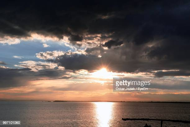 scenic view of sea against sky during sunset - oskar stock pictures, royalty-free photos & images