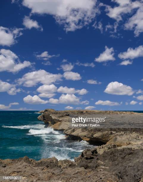 scenic view of sea against sky in hawaii - media_in_honolulu,_hawaii stock pictures, royalty-free photos & images