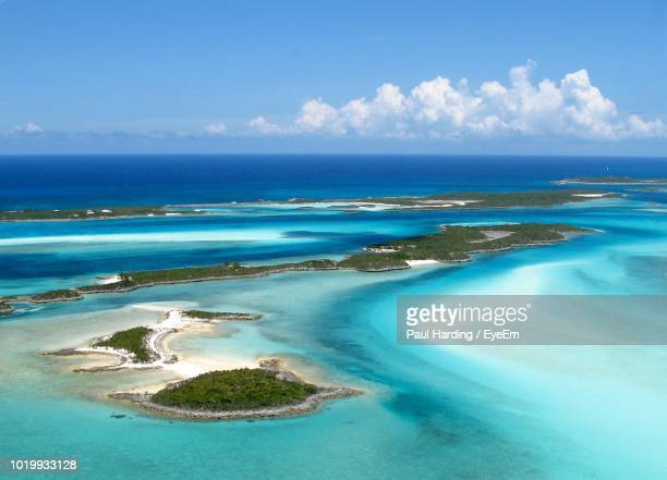 scenic view of sea against sky - nassau stock pictures, royalty-free photos & images