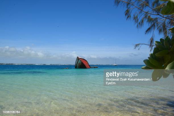 scenic view of sea against sky - nuku'alofa stock pictures, royalty-free photos & images