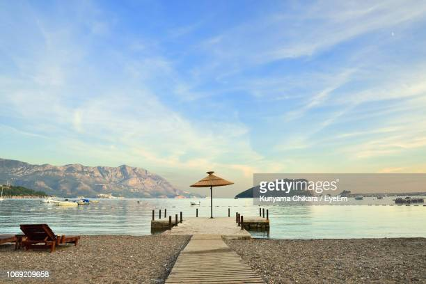 scenic view of sea against sky - montenegro imagens e fotografias de stock