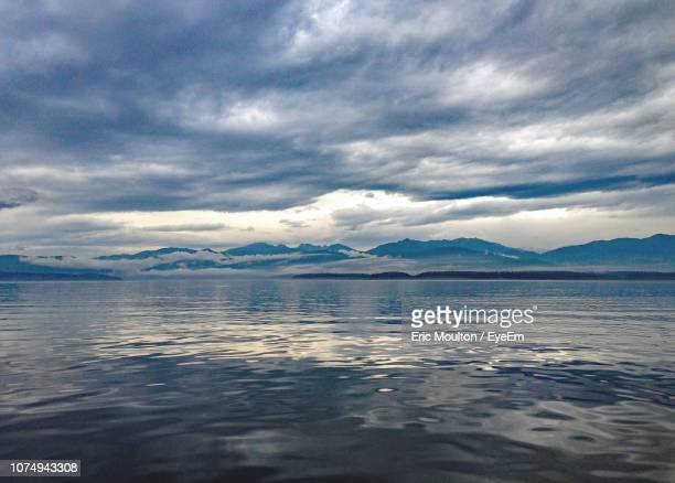 scenic view of sea against sky - kitsap county washington state stock pictures, royalty-free photos & images