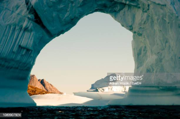 scenic view of sea against sky - spitsbergen stock pictures, royalty-free photos & images