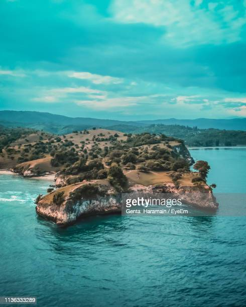scenic view of sea against sky - banda aceh stock pictures, royalty-free photos & images