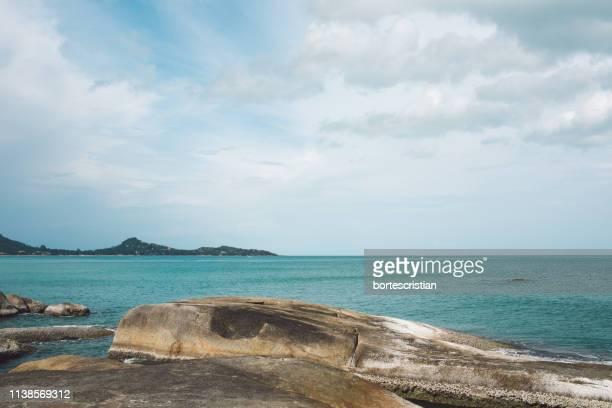 scenic view of sea against sky - bortes cristian stock-fotos und bilder