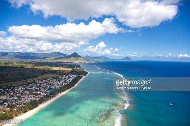scenic view of sea against sky - indian ocean stock pictures, royalty-free photos & images