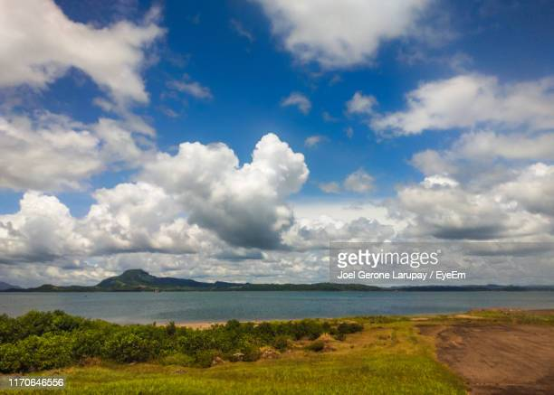 scenic view of sea against sky - tacloban stock pictures, royalty-free photos & images