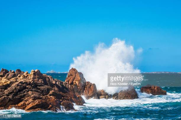 scenic view of sea against sky - france strike stock pictures, royalty-free photos & images
