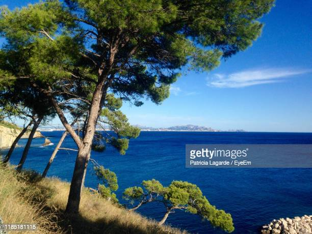 scenic view of sea against sky - lagarde stock pictures, royalty-free photos & images