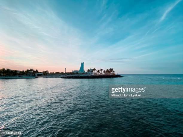 scenic view of sea against sky - jeddah stock pictures, royalty-free photos & images