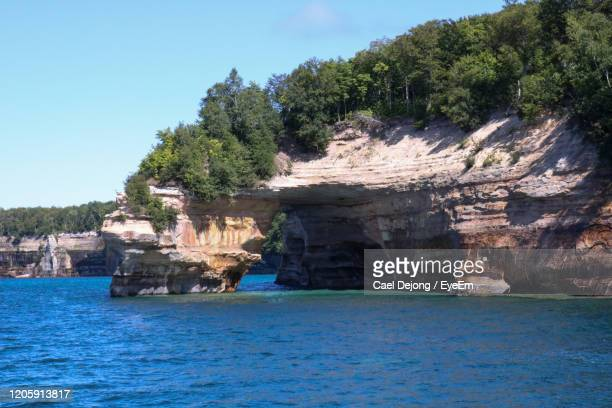 scenic view of sea against sky - upper peninsula stock pictures, royalty-free photos & images