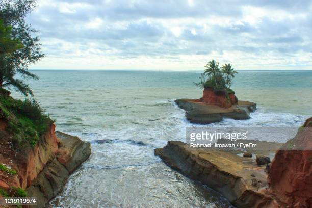 scenic view of sea against sky - rahmad himawan stock pictures, royalty-free photos & images
