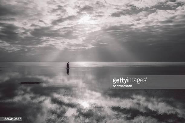 scenic view of sea against sky - bortes bildbanksfoton och bilder