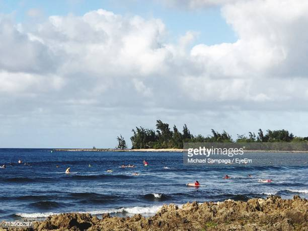 scenic view of sea against sky - haleiwa - fotografias e filmes do acervo