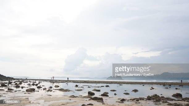 scenic view of sea against sky - harli stock pictures, royalty-free photos & images