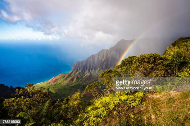 scenic view of sea against sky - kauai stock pictures, royalty-free photos & images