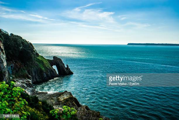 scenic view of sea against sky - torquay,_victoria stock pictures, royalty-free photos & images
