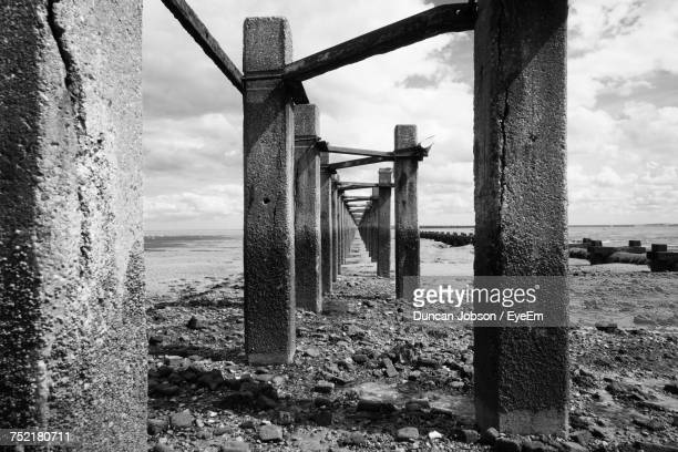 scenic view of sea against sky - southend on sea stock pictures, royalty-free photos & images