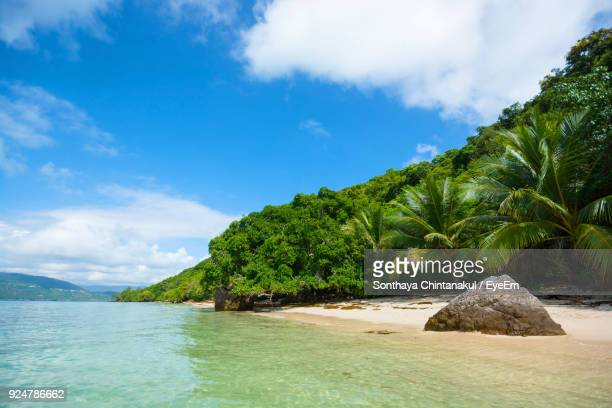 scenic view of sea against sky - surat thani province stock pictures, royalty-free photos & images