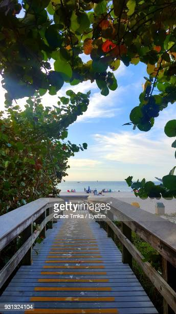 scenic view of sea against sky - marco island stock pictures, royalty-free photos & images
