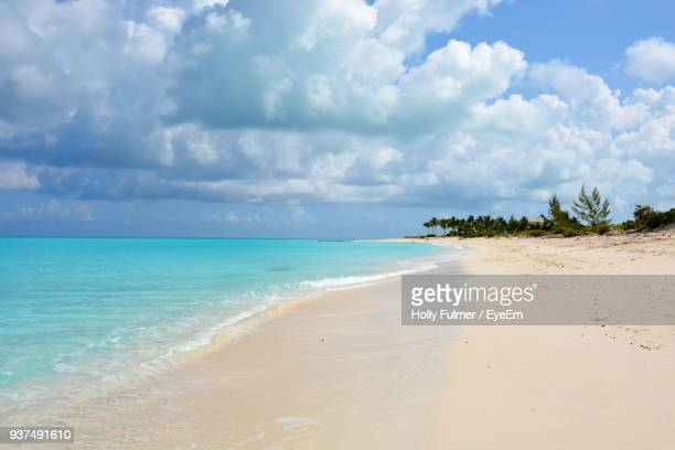 scenic view of sea against sky - grand bahama stock photos and pictures