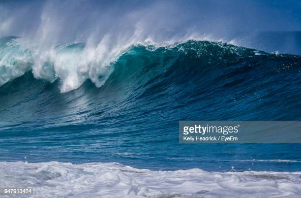 scenic view of sea against sky - giants stock photos and pictures