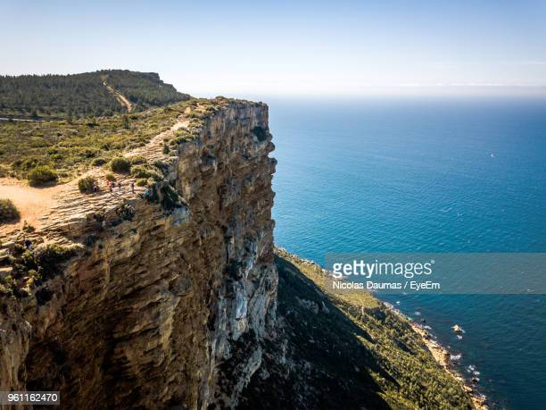 scenic view of sea against sky - cassis stock pictures, royalty-free photos & images